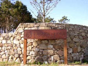 Laguna Negra 300x225 Punta del Diablo, el Balneario Bohemio más Chic del Momento!