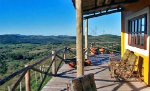 salamora porche 300x183 Turismo Rural en Uruguay: Tres Opciones Para Este Otoño