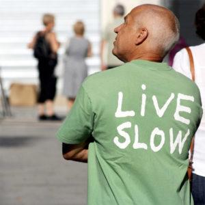 live slow 300x300 Slow Travel: El Arte de Viajar con Calma