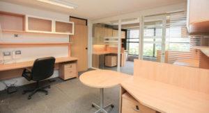 Oficina en piso 5 Gamma Tower 300x163 Uruguay, un país estratégico para invertir